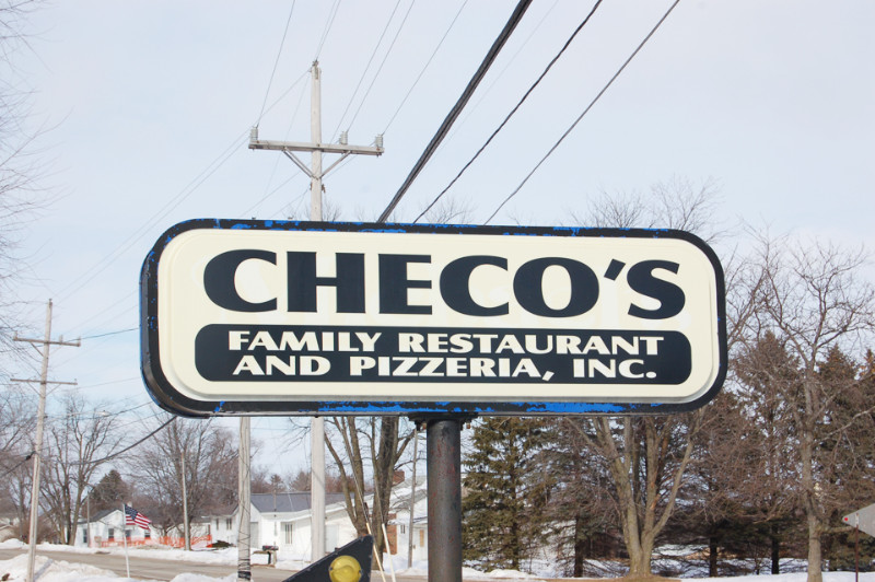 Checo's Family Restaurant & Pizzeria